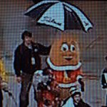 """And what was your last job?"" ""Oh, I held the umbrella for the potato mascot at the Famous Idaho Potato Bowl."" http://t.co/KgYjtWChtk"