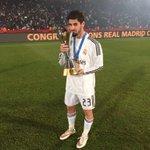 Que gran manera de cerrar el año🏆🏆campeones del mundo😊 orgulloso de formar parte de esta gran familia! Hala Madrid http://t.co/eELOHwlBDx