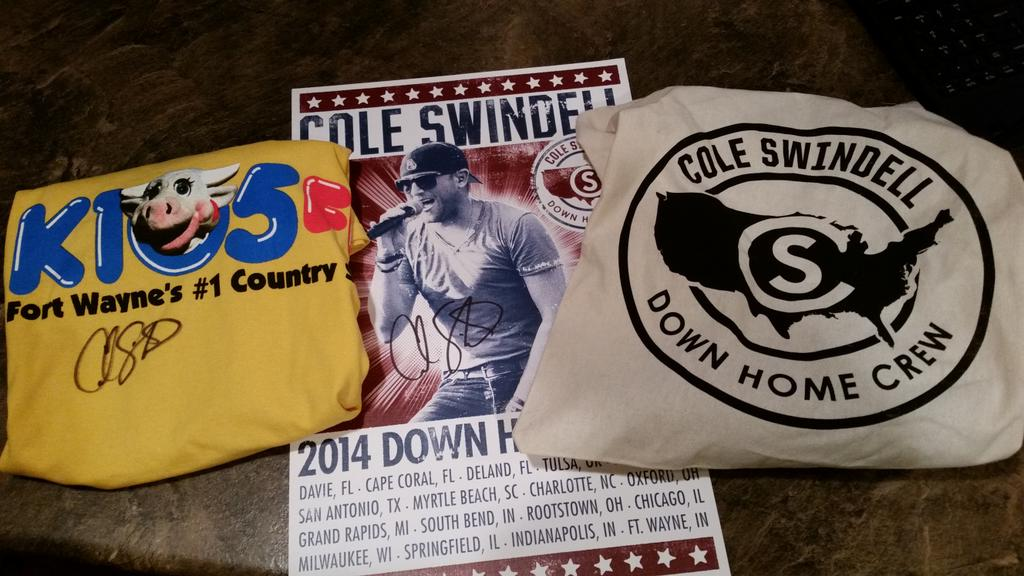 Want to win a @coleswindell prize pack from k105?  Autographed!!  RT to win it.  Winner announced Monday morning! http://t.co/LmXhYqksRb