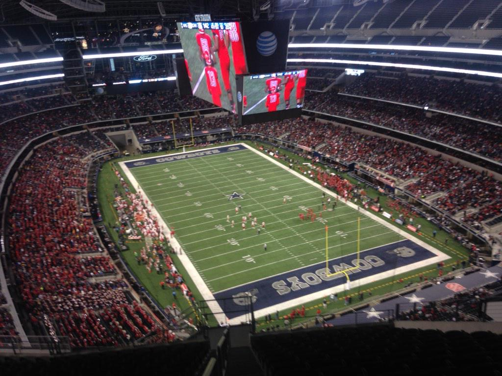 Next time someone asks you why Texas HS football is king, show them this. 46,289 here for Katy-Cedar Hill. #txhsfb http://t.co/P980xi38bt