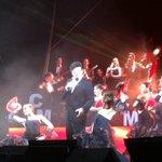 """""""Granada"""" de Agustín Lara, interpretada en el #VIMagnoConciertoNavideño por Carlos Marín en #Carmen. http://t.co/5F82RWLABK"""