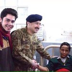 Some relief...  Those wounded in #PeshawarAttack had smiles on their faces while meeting Col Qasim (Capt Gulsher) http://t.co/cvubsvLudL