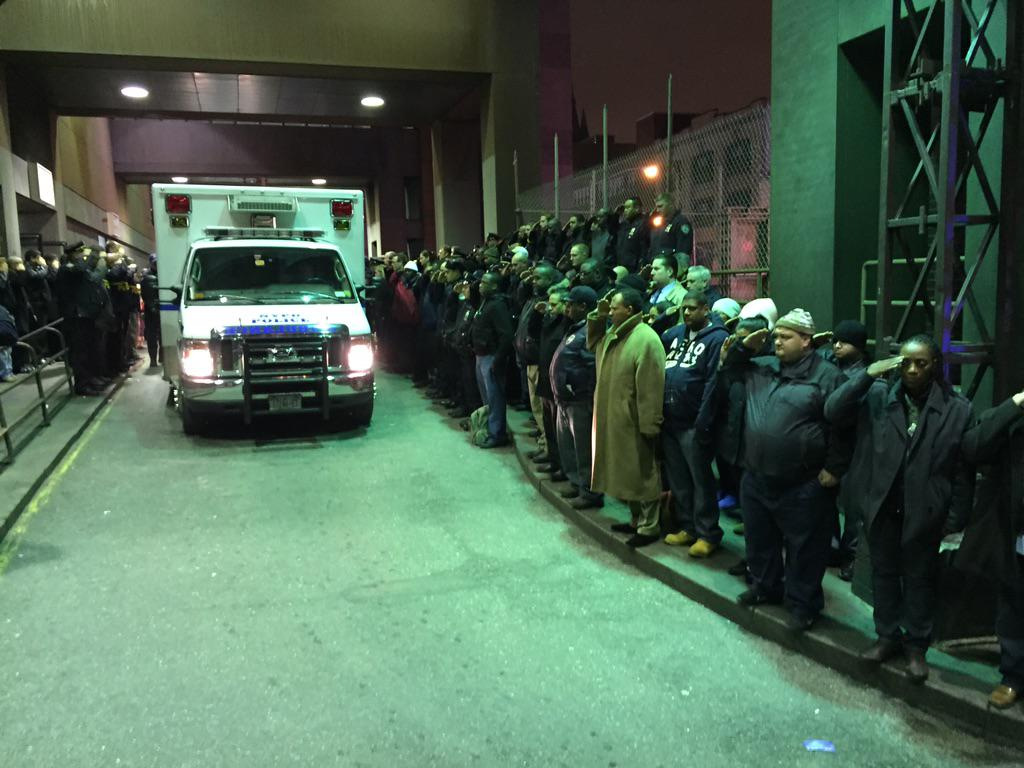 Fallen officers in #NYPDShooting saluted by #NYPD officers leaving hospital @ABC7NY http://t.co/zr8125doUC