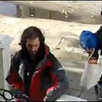 Thieves caught on camera stealing packages in #NoeValley neighborhood http://t.co/eic6xTZ6qy RT to spread the word http://t.co/6pamDmrULZ