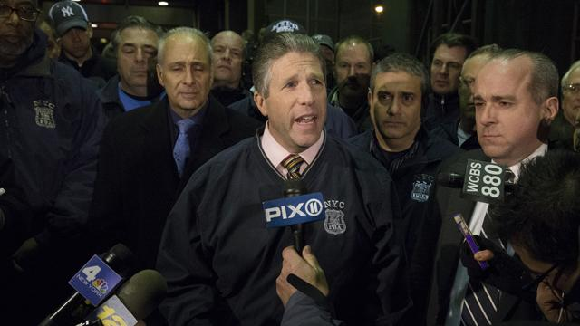 'Blood on Many Hands': NYPD union head slams Mayor, protesters after killing of cops http://t.co/P8ymk5zqEn http://t.co/qMs96ac2fP