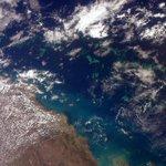 (IT)E poi questo è comparso davanti agli occhi.Bellissimo! Parte della Grande Barriera Corallina nel Mar dei Coralli. http://t.co/wq6u6Hyzcp