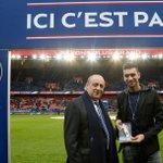 Pastore a reçu son trophée UNFP de joueur du mois de novembre 2014 en Ligue1, son 2ème après septembre 2011. #PSG http://t.co/lbtx5A3BzO