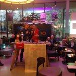 Nieuwscafé en opening Arnhem top2000 met @Bob_Roelofs en @johnbruinsma nu interview met Patrick van der Tol #radio2 http://t.co/RpRZgU55WO