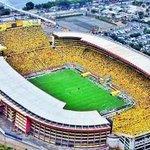 Pasaron 14 años y esta hinchada seguía ahí. Fiel a la amarilla. VAMOS @BarcelonaSCweb http://t.co/wsdXpouqqw