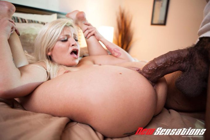 #goodmorning check out how I took @shanexxxdiesel #bigblackcock http://t.co/LvCwrM2IxH