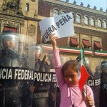 La niña y su expresión #YaMeCanse10 http://t.co/bbIOoKnvcm