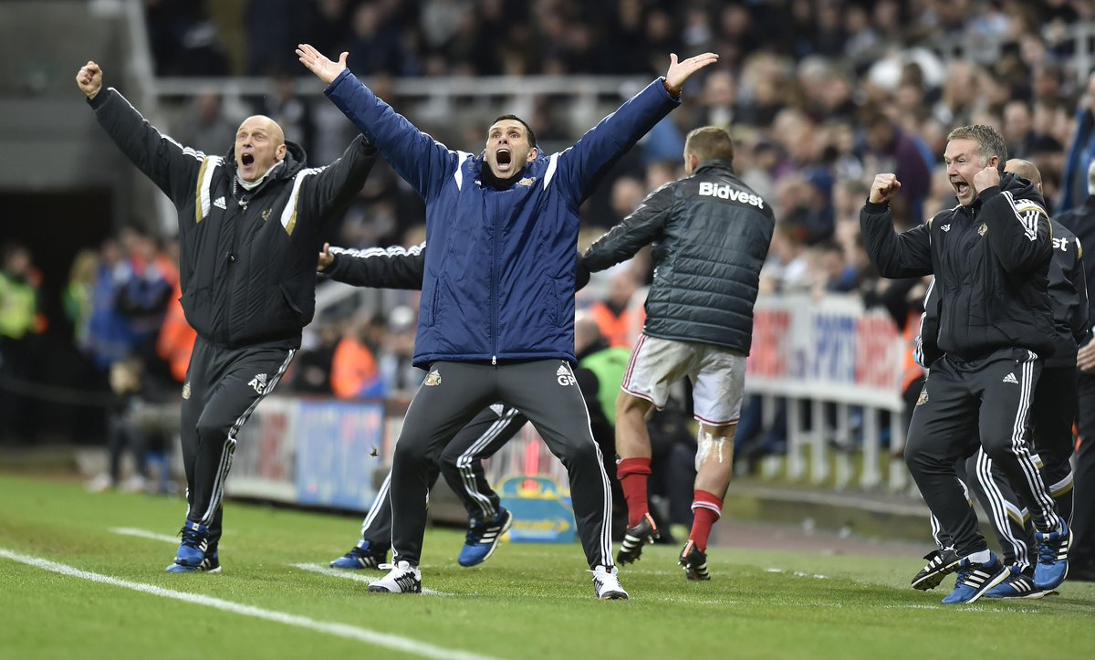 Just look at this celebration from Gus Poyet! Sunderland win derby with late goal! http://t.co/6HhdEqD8LT