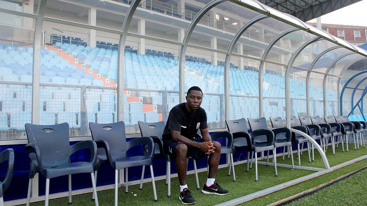Freddy Adu (24), the youngest player ever to appear in US pro sports, will be sacked, Serbian FC Jagodina announced. http://t.co/IqKHgEGv6r