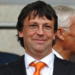 Blackpool chairman Karl Oyston could face FA probe over foul-mouthed text rant http://t.co/DLgZVNBUTG http://t.co/xEWrZ2r4id