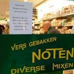Winkelier #Mekelenkamp vraagt klanten mee te gaan naar #tijdelijk #winkelcentrum      #Anklaar #Apeldoorn http://t.co/hxapBDFcPX