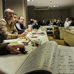 Denizli Osmanlı Türkçesi kurs hocaları olarak 2.Dönem kurslara hazırlık toplantısını yaptık. http://t.co/7b3ypursBr