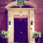 The lovely home of @KDEpsilonOmega in Lexington, Kentucky. #ScenicSunday #KappaDelta http://t.co/AdxYZ0m0F2
