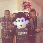 Bon moment a larbre de noel du club avec mon gars #Moussa @CAFCofficial #fan #noel team http://t.co/FOuE2umDpw