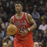 Jimmy Butler amazing #Bulls teammates as he makes the difficult clutch shots, via @KCJHoop. http://t.co/nxYAiPXoqi http://t.co/NkPdfEpspt