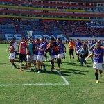 Reservistas del Águila dedicaron la Copa a la afición en sol general y luego foto oficial cc @elgraficionado http://t.co/CaAxypsxwp