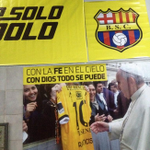 (FOTO) @saucedo_pablo y una foto del camerino, recordando la bendición de @Pontifex_es http://t.co/AhRfqRyWpw http://t.co/SqSoRvu5D2