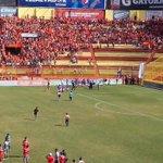 Afición de @cdaguilaoficial ya realiza su primera celebración con el título de reservas @Fanaticos21 http://t.co/PgOvplqFTp