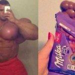 homem gasta 400 mil para ficar parecido com uma barra de chocolate http://t.co/lamlb6sFSD