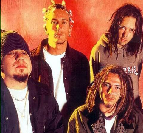 A Very KoRny XMas Weekend on SiriusXM Liquid Metal! Songs/stories from the band ALL WKND on NOW! @Korn #korn \m/ http://t.co/A7dwzHjaMT