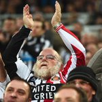 A Supporter at the Newcastle United v Sunderland game today @halfscarftwat #SAFC #NUFC http://t.co/ctWcFwJD6T