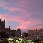 Beautiful skies over Christmassy #Cambridge right now http://t.co/JJbGWBPoJE