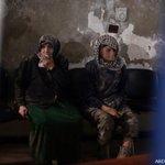 #AFP نساء كبار في السن ينتظرن العلاج في إحدى المشافي الميدانية بمدينة #دوما في الغوطة المحاصرة بريف #دمشق #سوريا http://t.co/hW1HZfL7Co