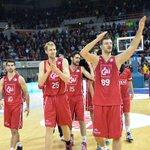 La felicidad del CAI @Basket_Zaragoza tras tumbar al líder. #LigaEndesa http://t.co/PKHys1Csrd