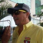 Directivo de #Barcelona llega a la concentración del equipo torero http://t.co/tc6fLVxufQ