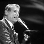 Einer der großen Entertainer hat die Bühne verlassen: Udo Jürgens ist mit 80 Jahren gestorben. http://t.co/AejJJparcg http://t.co/oAT0rp8YoF