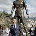 El paquete de Ronaldo se inaugura a sí mismo en su localidad natal... http://t.co/jswsoqOTMx