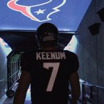 Case Keenum walking onto field for warmups. http://t.co/s4s2Bw4a48 http://t.co/EJXeIOCv0s