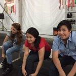 Mildred, mariana e Iván, preparándose para disfrutar la pista de hielo.!!!! @ferortegab @miguelsulub @jroropez http://t.co/uhZyVm7joE