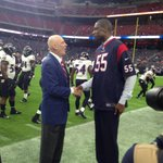 Dikembe Mutombo will be an honorary coin toss captain today. Chatting with Bob McNair pregame. #Texans http://t.co/LhMlnKoAdv