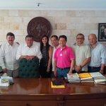 El Gob. @ferortegab se reunió con los 11 Alcaldes de #Campeche para Trabajar en Programación de Acciones para 2015 http://t.co/XOkpzyeJrt