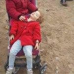 لا تقلق، اطفال عرب على حدود عربية. http://t.co/GSq8S10Osc