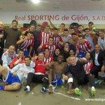 Más que un equipo, una gran familia!! #Invictus http://t.co/0c2AoUulRu