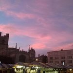 @CambridgeNewsUK Yes, I snapped this of the Market Sq looking gorgeous in the twighlight :) http://t.co/86weHBNvxI