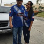 Con mi princesa @vale_valverde rumbo a ver salir BiCampeon al Bombillo @csemelec @jorgewated http://t.co/nYCGn5n4V6