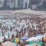 O verão promete! Praias lotam e sensação térmica chega a 55 graus: http://t.co/M6tNOTHT7M http://t.co/UGq8BG6tVA