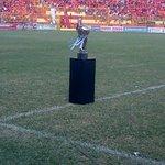 #LMF | Esta es la Copa Pepsi que tanto Águila como Metapán quieren levantar como campeones del Apertura 2014. http://t.co/v4wkCKdecX