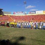 Inician los actos protocolarios, suena nuestro himno nacional @somosmetapan vs @cdaguilaoficial @Fanaticos21 http://t.co/UreSntDaWP