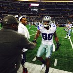 Our boy @DezBryant showing some pre game love to comedian @CedEntertainer. #FinishTheFight http://t.co/4VLmxhACtR