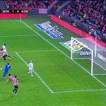 Posición de fuera de juego de Griezmann en el cuarto del Atleti. http://t.co/fvz9BRd0Iv
