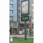 (En el País Vasco)  —¿Qué hora es? —La que nos sale a nosotros de los cojones. http://t.co/59TssUsOyQ