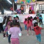 Los niños y niñas del hogar Galvarino disfrutando de su Fiesta Navideña. Programa Activa tu Barrio. http://t.co/8KwXCNK7zL